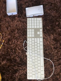 New mac keyboard, magic mouse 2. Each 90. Available Saturday only flash sale Montréal, H2X 2J6