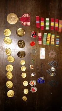 military pins buttons Alden