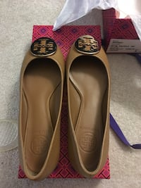pair of brown leather flats Fremont, 94539