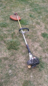 Stihl FS 81Commercial Weed Trimmer. Needs Gas Tank Aurora