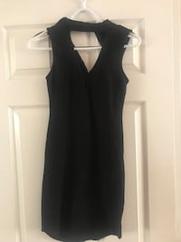 Black choker neck never worn size small Ottawa, K2G 1V1