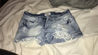 Lace detail light denim shorts Broadway, 27505