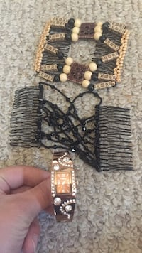 Watch and hair clips Red Deer