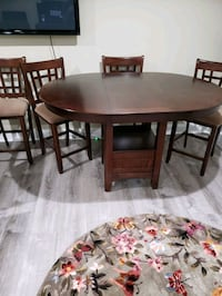 rectangular brown wooden table with four chairs dining set Brunswick, 21716