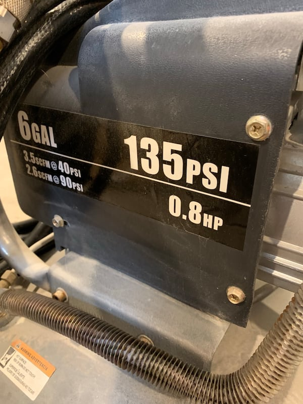 6 gallon compressor with 3 guns fbe45ca8-6b24-4bbe-9008-4edfe109614f