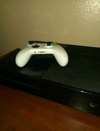 Xbox One 500 gig with controller Albuquerque, 87108