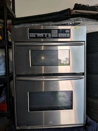 stainless steel and black microwave oven Elkton, 21921