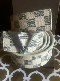 Beautiful White and Grey Leather Belt Mississauga, L4Z 4K5