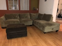 Jerome's  green sectional sofa with ottoman San Diego, 92122