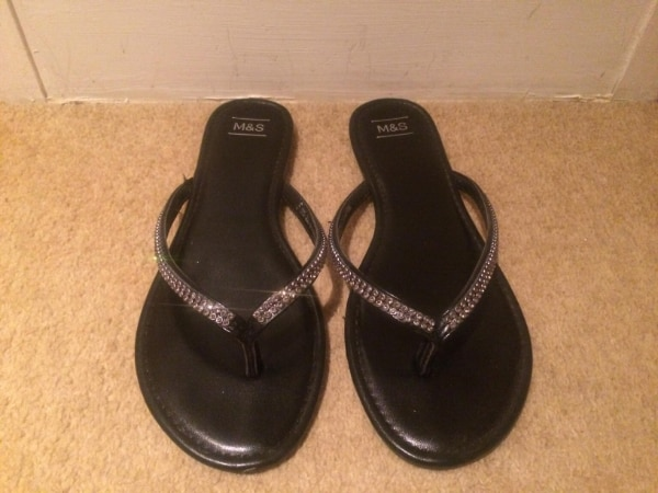 0c764ad8930f Used Stylish Sparkly Black and Silver Flip Flops Size 5 M   S for sale in  Isleworth - letgo