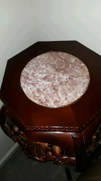 Accent table with marble top Baltimore, 21244