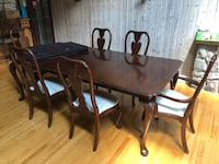 Cherry wood dining table New York, 11430