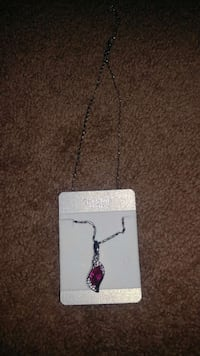 silver and pink gemstone pendant necklace 100 mi