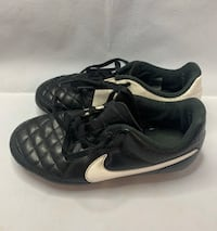 Nike soccer cleats size 13c