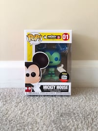 Funko Pop! Mickey Mouse 4 inch figure (Funko shop Exclusive) *IN HAND* 42 km