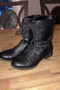 Womans size 7 boots Calgary, T2H 1P1