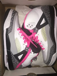 Pink Spizikes Youth / men size 4.5  women size 6.5 Burnaby, V3J 0A4