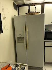 WHIRLPOOL ESTATE SERIES REFRIGERATOR West Palm Beach, 33417