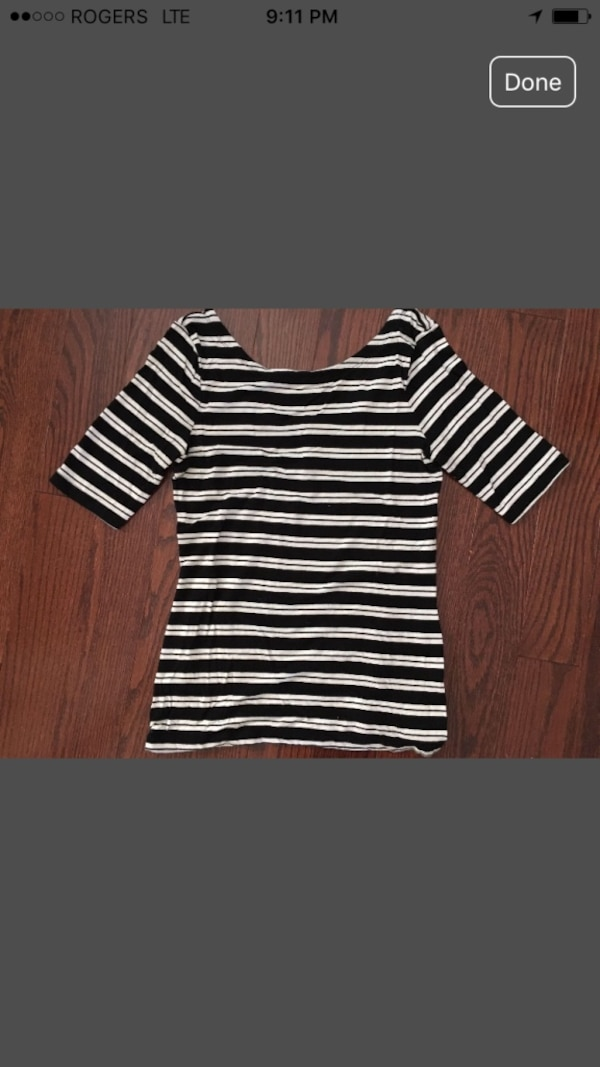 Banana Republic ladies top size small EUC worn twice