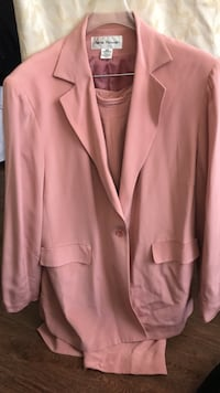 pink button-up blazer Washington, 20017