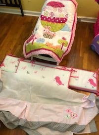 baby's white and pink floral bassinet Harrodsburg, 40330