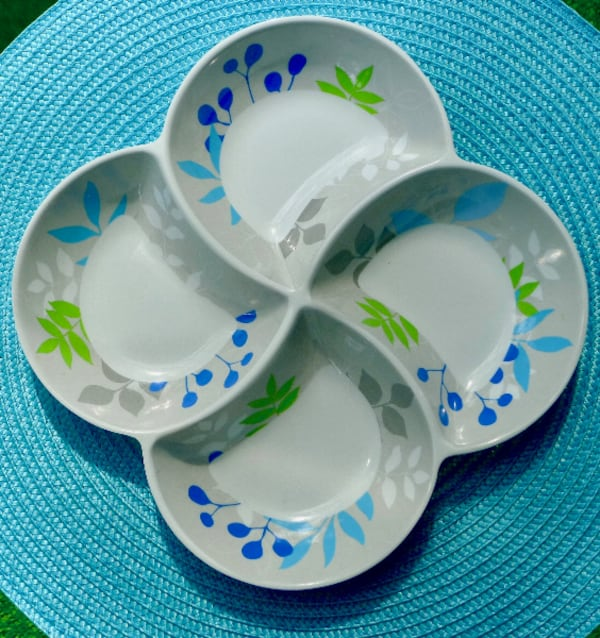 Retro Grey, Blue & Green 4 Bowl Pinwheel Melamine Tray 0d4104d5-3dee-4038-8258-92c590044eb9