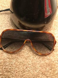 Gucci glasses  Suitland, 20746