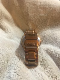 Rose gold fossil watch Cambridge, N3C 4C1