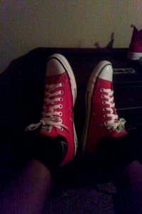 pair of red-and-white chucks Chickasaw, 36611