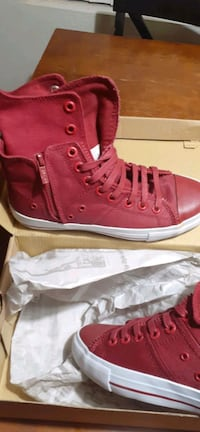 Red Levi's shoe brand new size 7.5