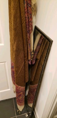 Gorgeous Shawl for sale. BRAND NEW Alexandria