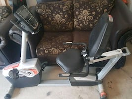 Exercise machine with heart rate