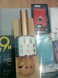 white and gold Bluetooth microphone with box Montréal, H1G