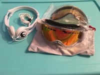 Dragon goggles and skull candy combo Kelowna, V1W 1M2