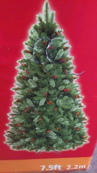 7.5 foot unlit Christmas Tree with pine cones and berries Silver Spring, 20904