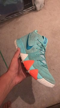Kyrie 4 size 10