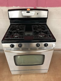 Maytag stainless steel gas stove  Woodbridge, 22191