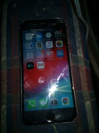 Used iPhone 6 -16gb /cracked screen Minneapolis, 55411