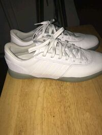 Brand new white adidas shoes  Barrie, L4M 4G7