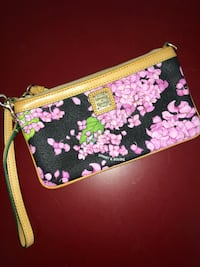 women's pink and black floral wristlet Coral Springs, 33065