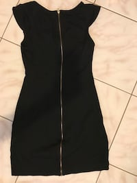 Women's black dress in great condition size 2 Toronto, M9A 4V7