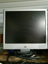 gray HP flat screen computer monitor Chula Vista, 91910