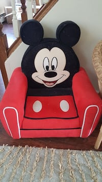 Mickey mouse kid chair  Green Brook Township, 08812