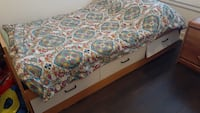 Single bed only 3 drawer with out matrss Mississauga, L5N 1Y2