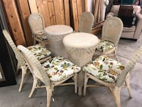 Vintage wicker dining room set with 6 chairs, table base and glass top Pewaukee, 53072