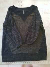 Large black and gold sweater  Barrie, L4N 0T3