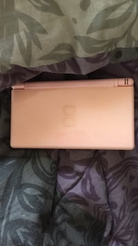 Pink Dsi with game St Catharines, L2M 5H8