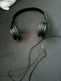 Headphones only used twice  Surrey, V4A 6T6
