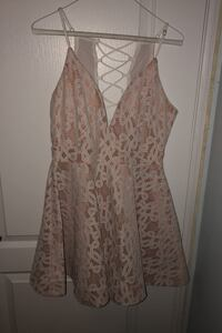 Chelsea brand dress from Mendocino  Markham, L3T 4M9