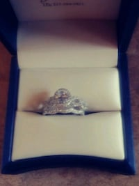 Pretty Engagement Ring Set For Sale Pick Up Only Gatineau, J9J 2J2